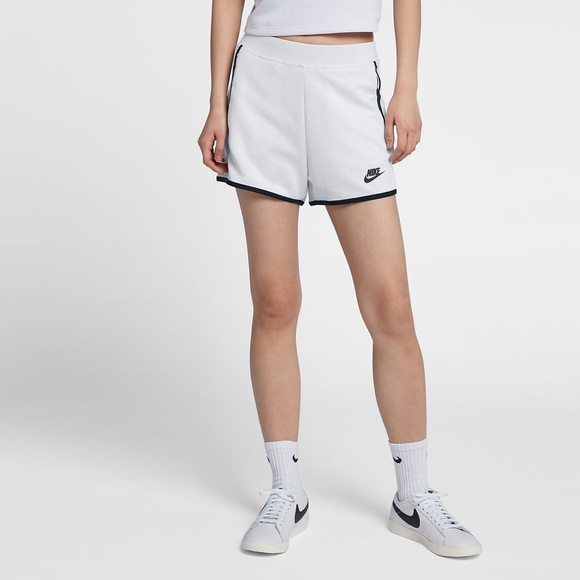 nike shorts tech pack